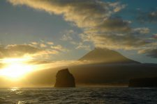 Arrival in Pico at dawn from Faial
