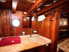 Cabin and bathroom suite of the schooner Santa Barbara