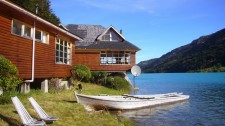 A lodge on Rio Baker (Chile)