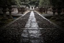 A walkway in the Tôkô-ji temple cemetery, Hagi